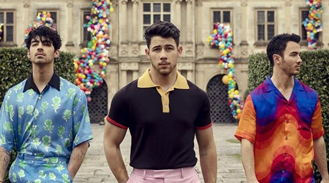 Jonas Brothers break the internet after officially announcing comeback
