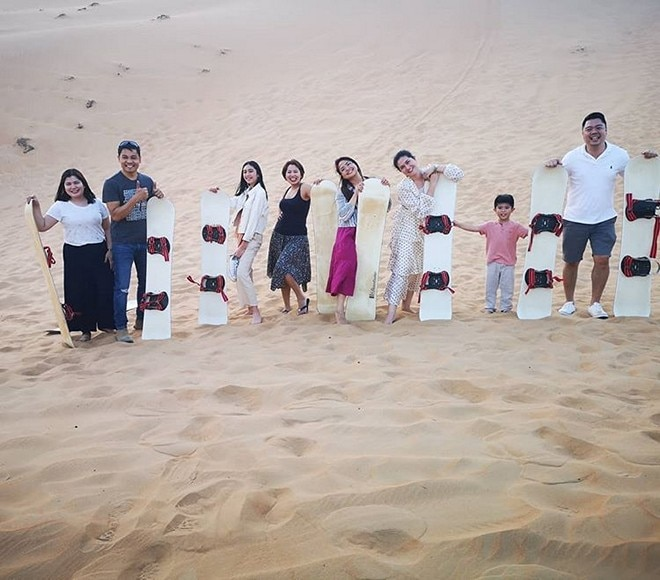 Dimples Romana goes on a trip with her family in the UAE.
