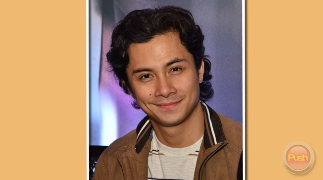 JC Santos says being a 'hubadero' onstage helped how he manages his intimate scenes