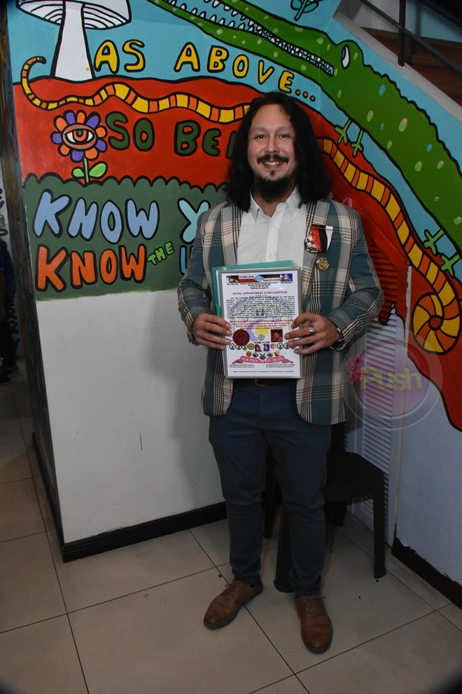 Baron Geisler, ginawaran ng honorary title of Datu.