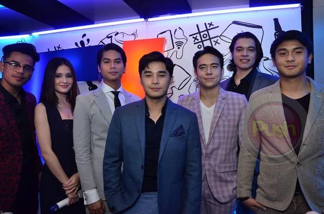 Tingnan pa ang iba mga dumalo sa premiere night ng PPP entry na ito.