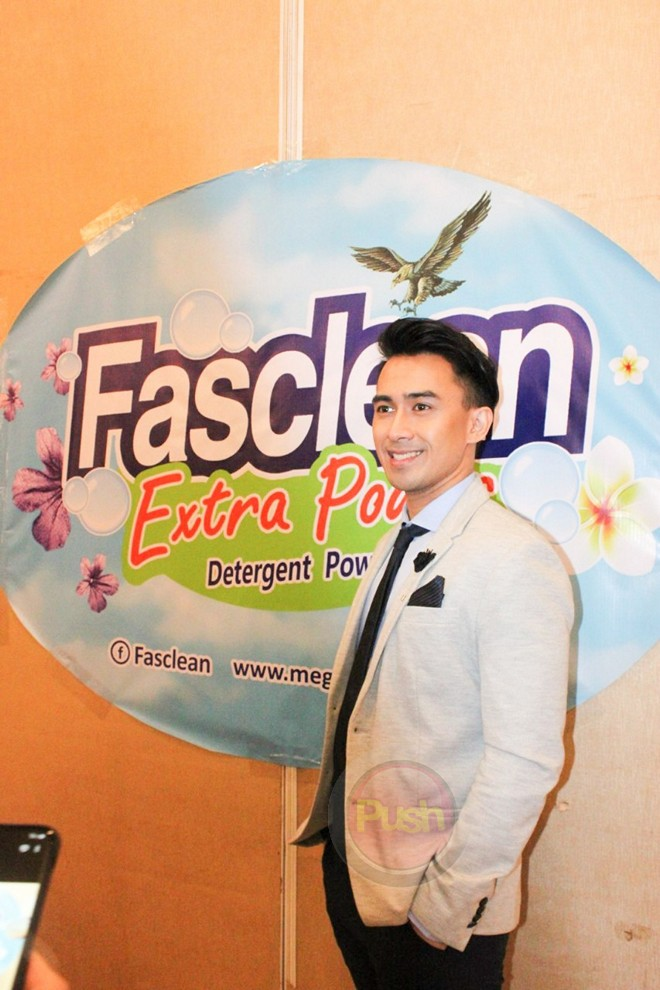 Young JV is the endorser of Megasoft's Fasclean Extra Power Detergent Powder.