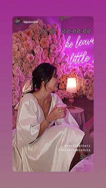 Sarah Lahbati celebrated her bridal shower with friends.