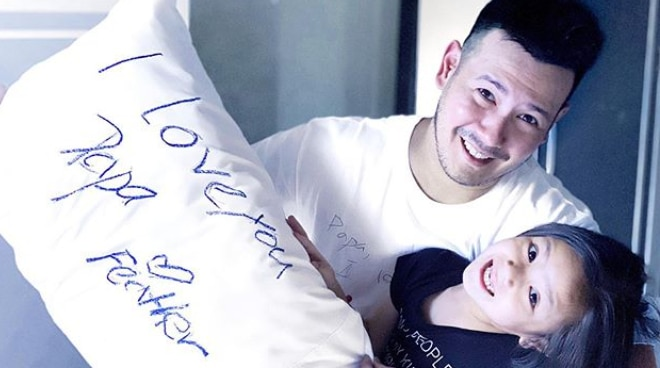 John Prats receives early Father's Day gift from Isabel Oli, their daughter Feather