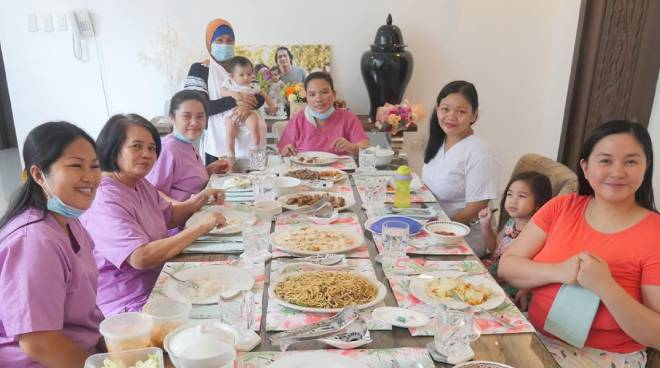 LOOK: Robin Padilla, Mariel Rodriguez treats house helpers to Mother's Day surprise
