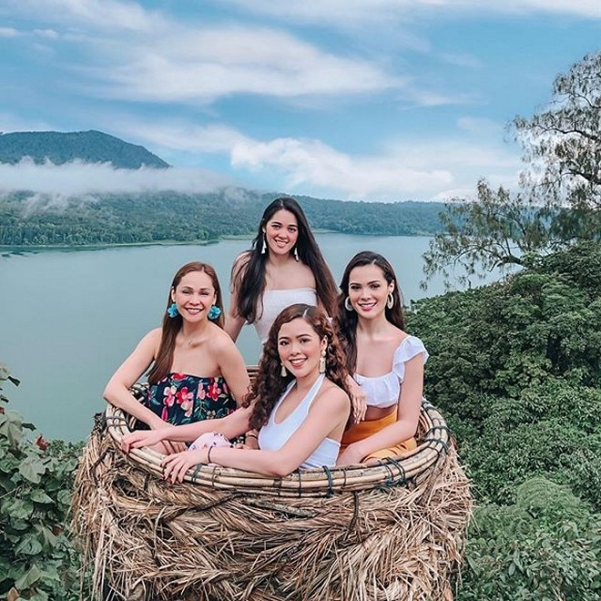 It obviously runs in the family. The daughters of Almira Muhlach are blessed with the same genes of