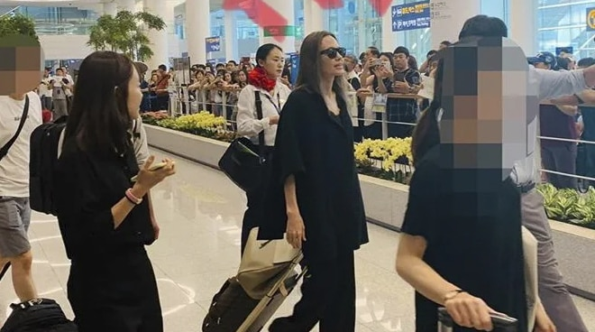 LOOK: Angelina Jolie in Seoul to drop off eldest son at college