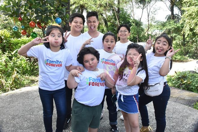 Check out the Star Magic artists who shared the love to kids of Bantay Bata Children's Village.