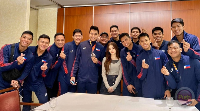 LOOK: PH volleyball team meets MOMOLAND's Nancy