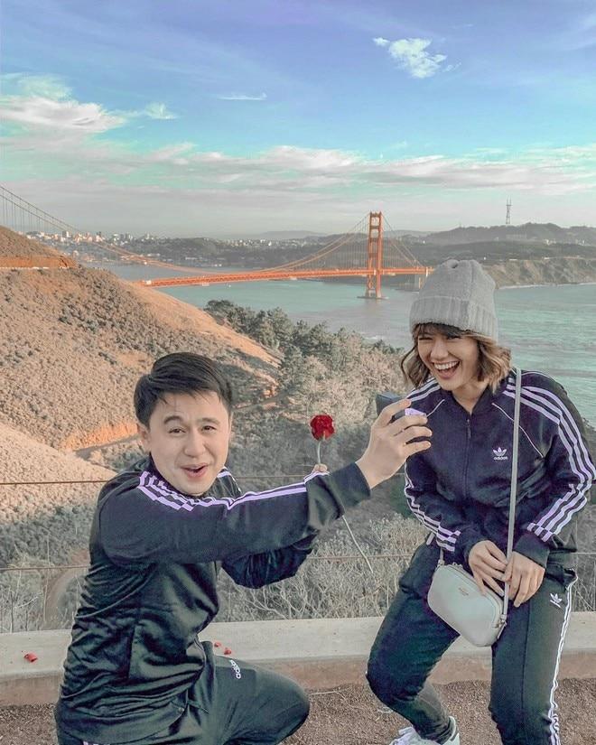 Fourth Solomon proposes to model girlfriend Grizella Gratella in San Francisco