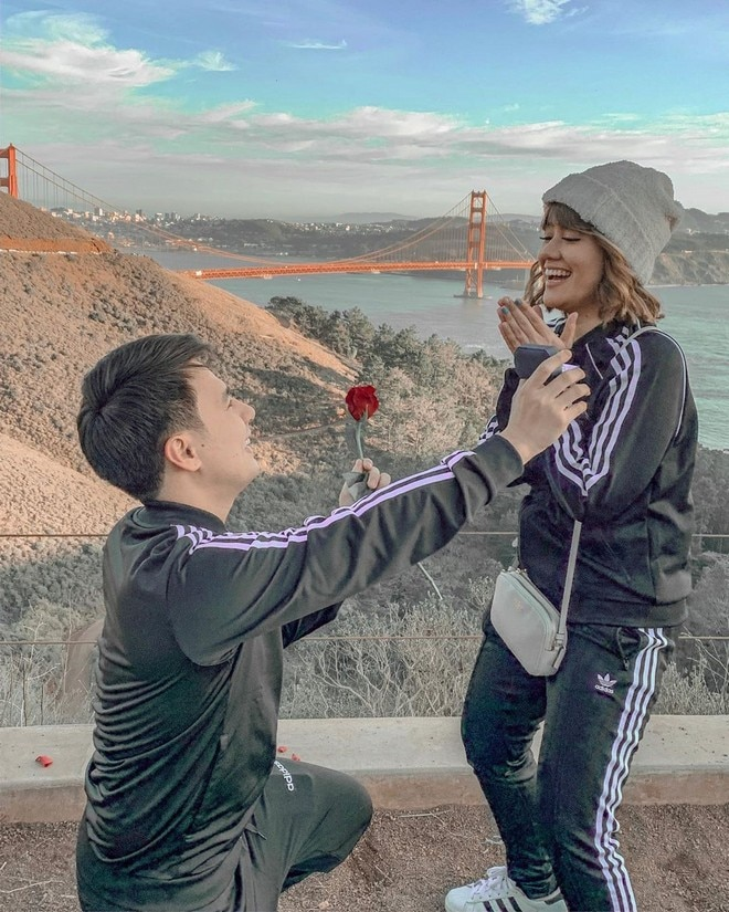 Fourth Solomon proposes to model girlfriend Grizella Gratella in San Francisco