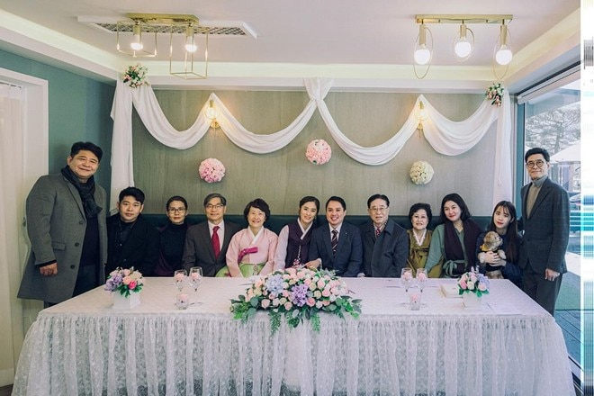 Jinri Park married her boyfriend John in an intimate Korean wedding ceremony.