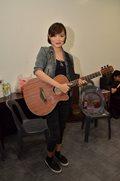 Present sina Kathryn Bernardo, Alden Richards at Direk Cathy Garcia sa concert ng kanilang pelikula.
